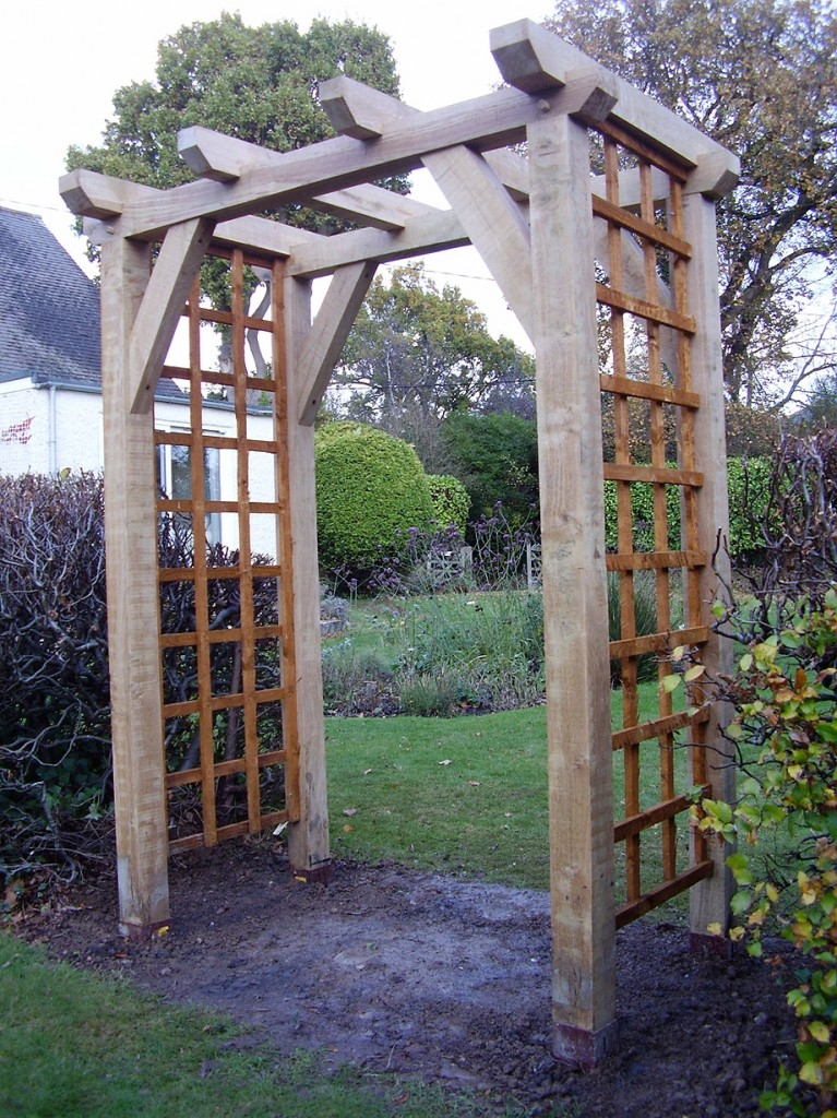 Garden arch designs photograph click on the image above fo for Garden archway designs