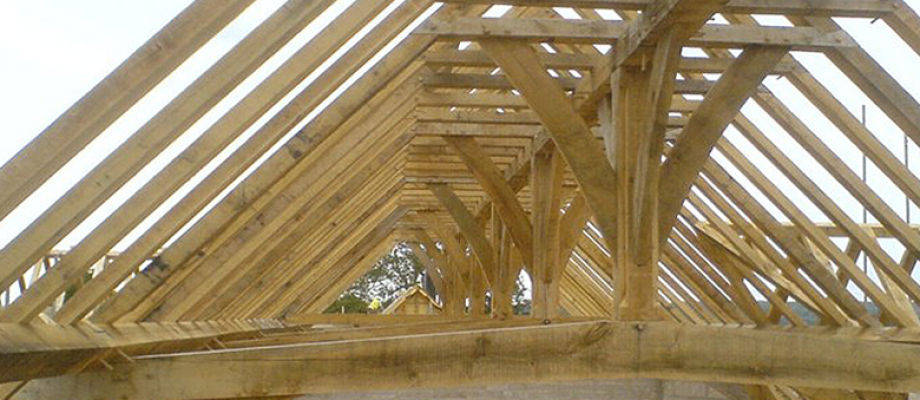 Crown purlin roof with oak rafters